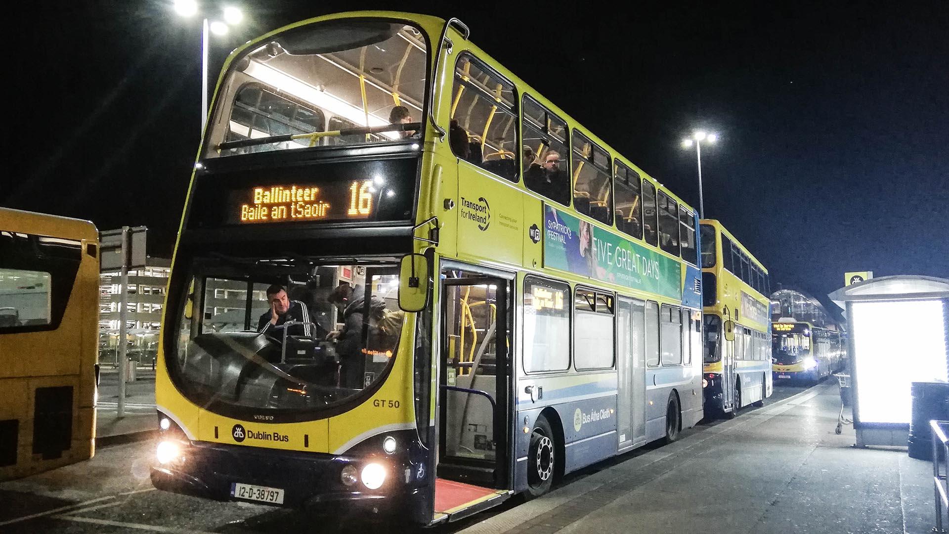 Autobús línea 16, trayecto del aeropuerto a Dublín