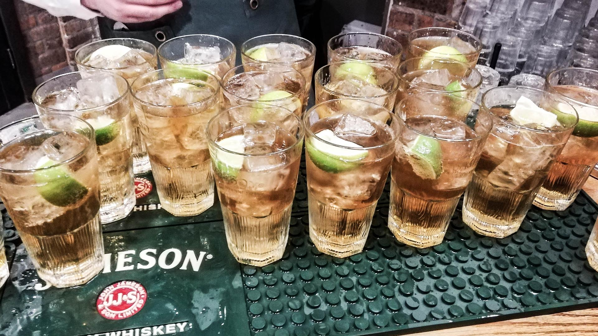 Copas gratis con tu entrada a la Jameson Distillery, Dublín, Irlanda