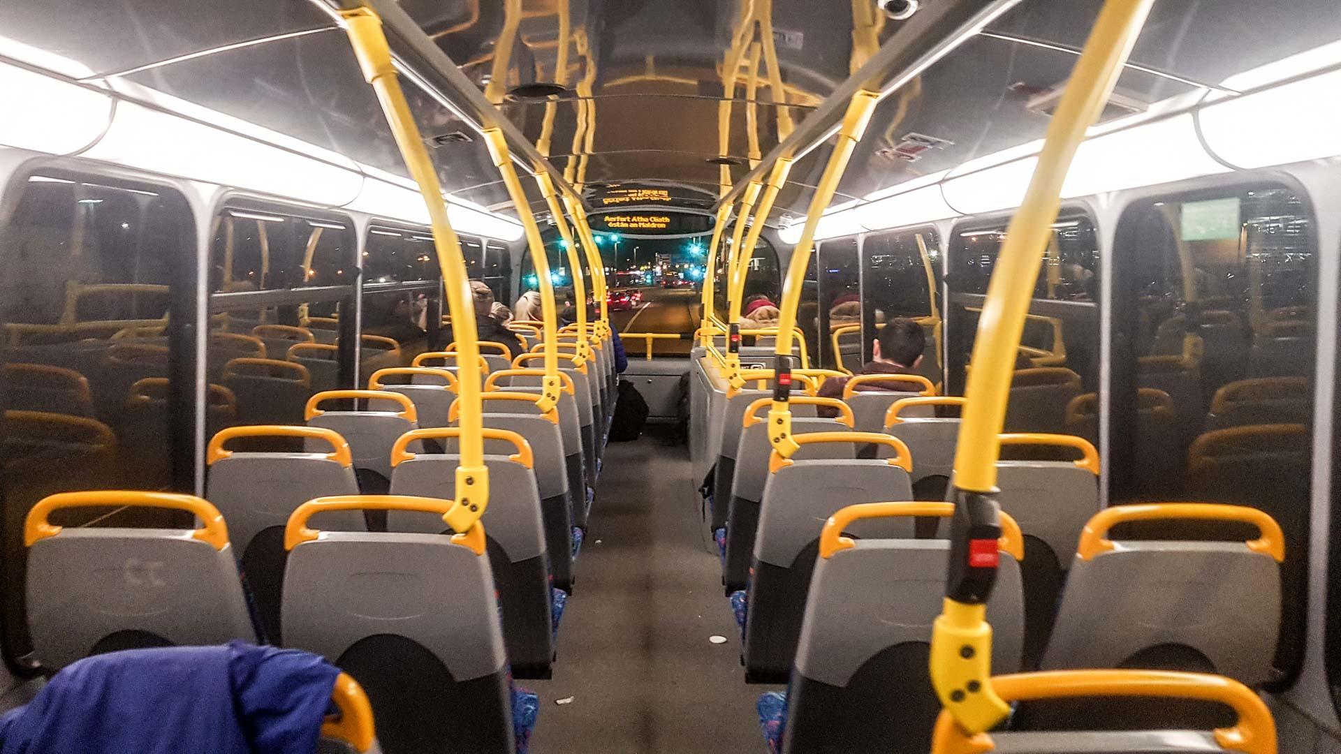 Autobús línea 16 del aeropuerto a Dublín, segunda planta