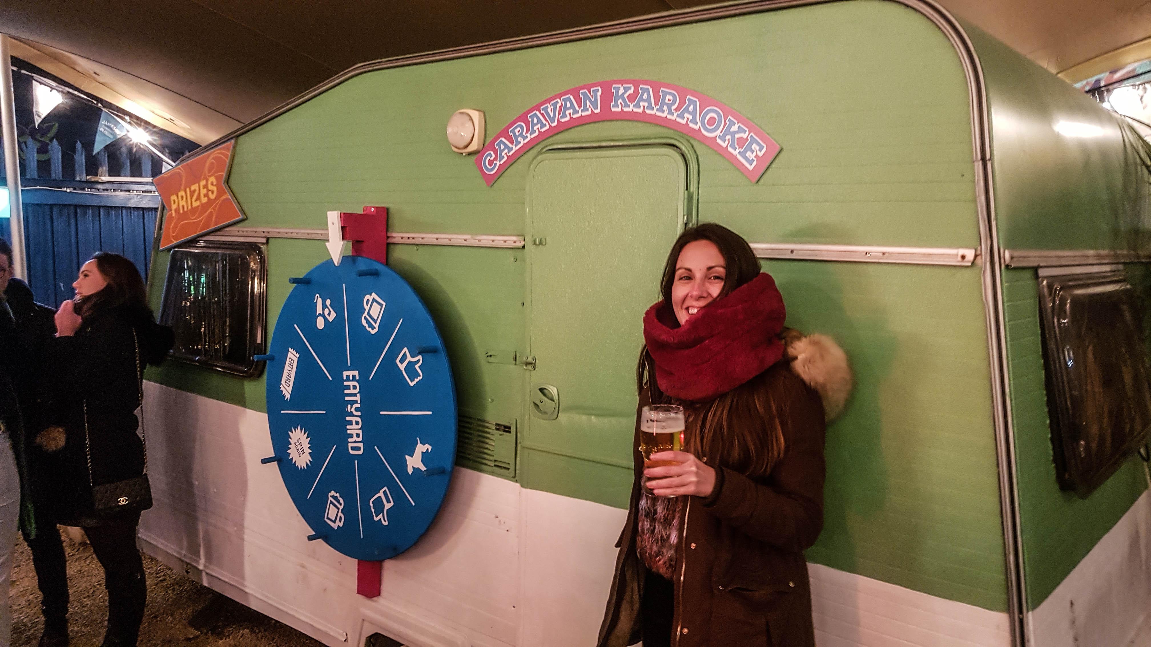 Caravan Karaoke en Eatyard, The Bernard Shaw, Dublín, Irlanda