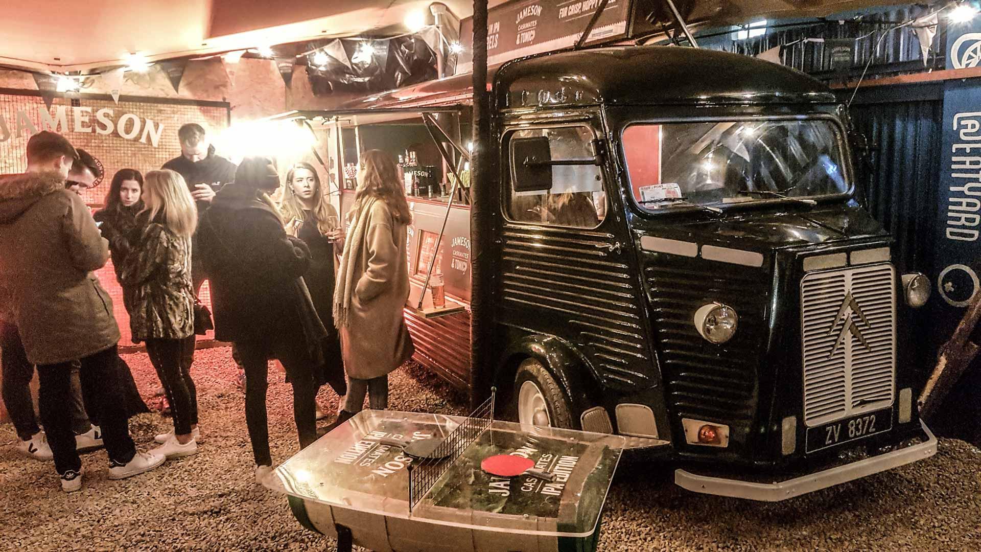Camión de Jameson en Eatyard, The Bernard Shaw, Dublín, Irlanda