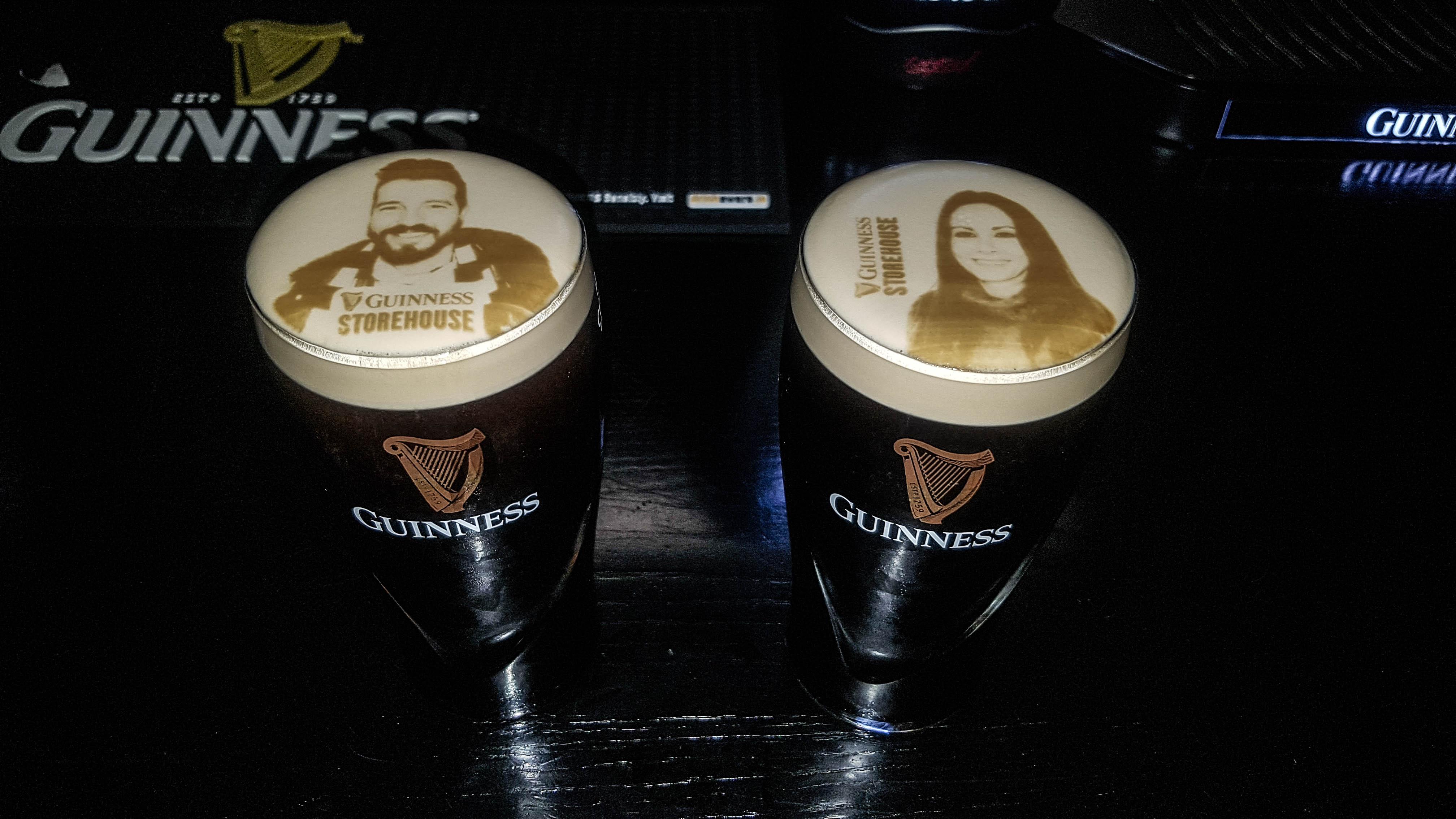 Nuestras caras en nuestra pinta Guinness