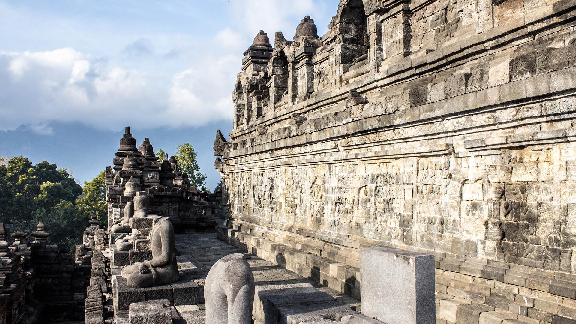 Paneles de relieve y Budas, Borobudur