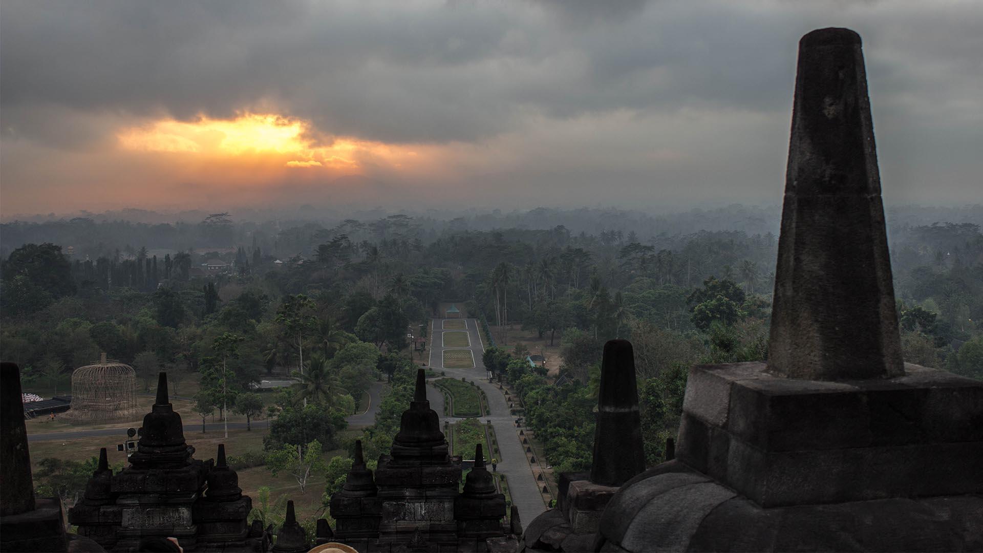 Amanecer en Borobudur