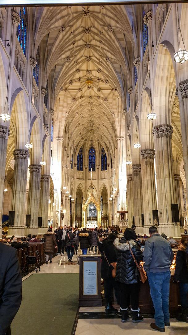 Interno della cattedrale di San Patrizio, New York