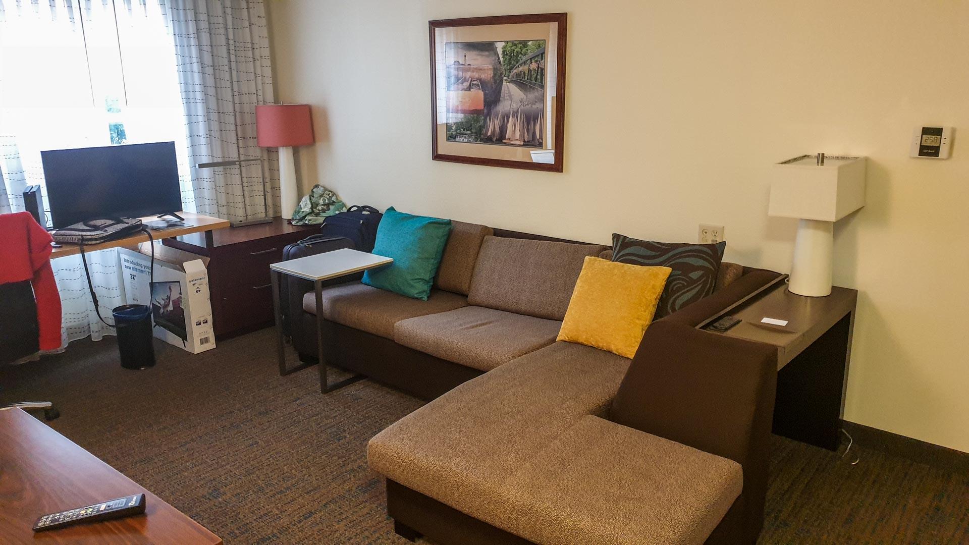 Salón do noso apartamento provisional en Milford