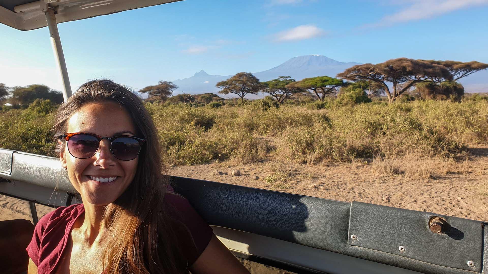 El monte Kilimanjaro amanecía totalmente despejado, Amboseli, Kenia