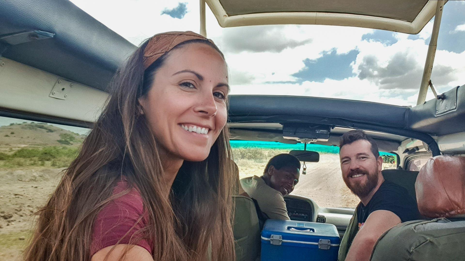 Con nuestro guía, Alex, en el Parque Nacional de Amboseli, Kenia