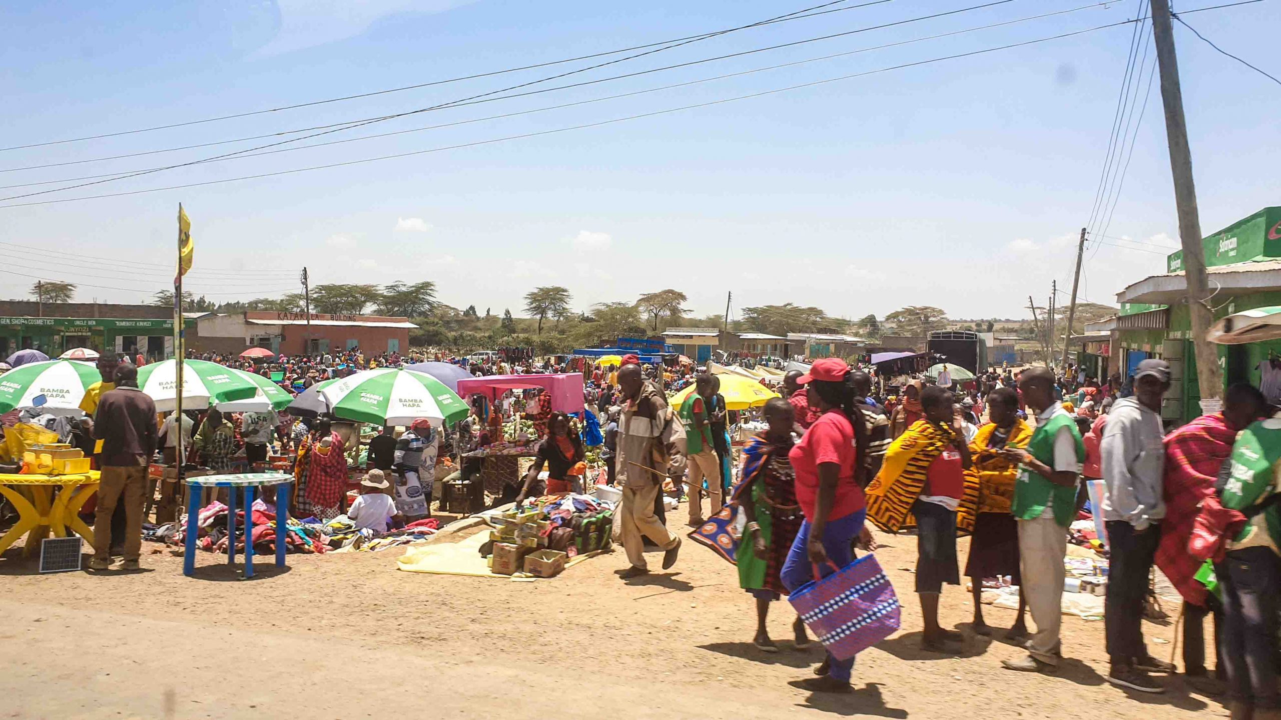 Mercado en algún pueblo de Kenia