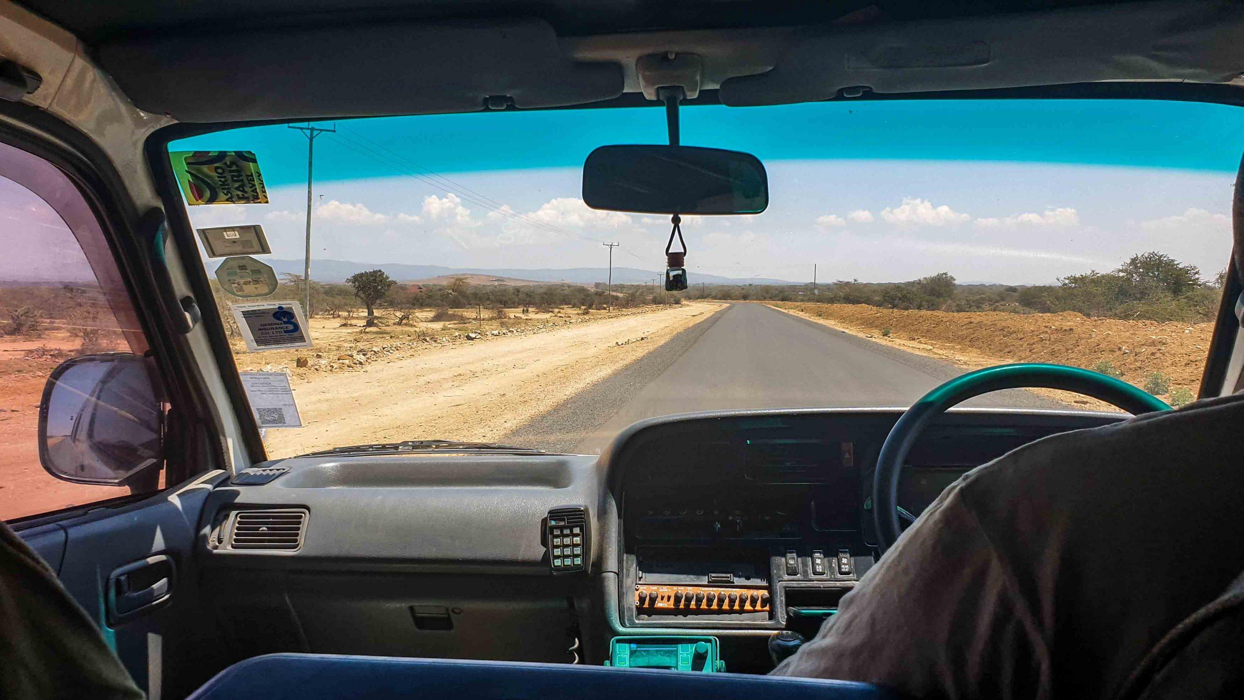 Carretera despoblada en Kenia
