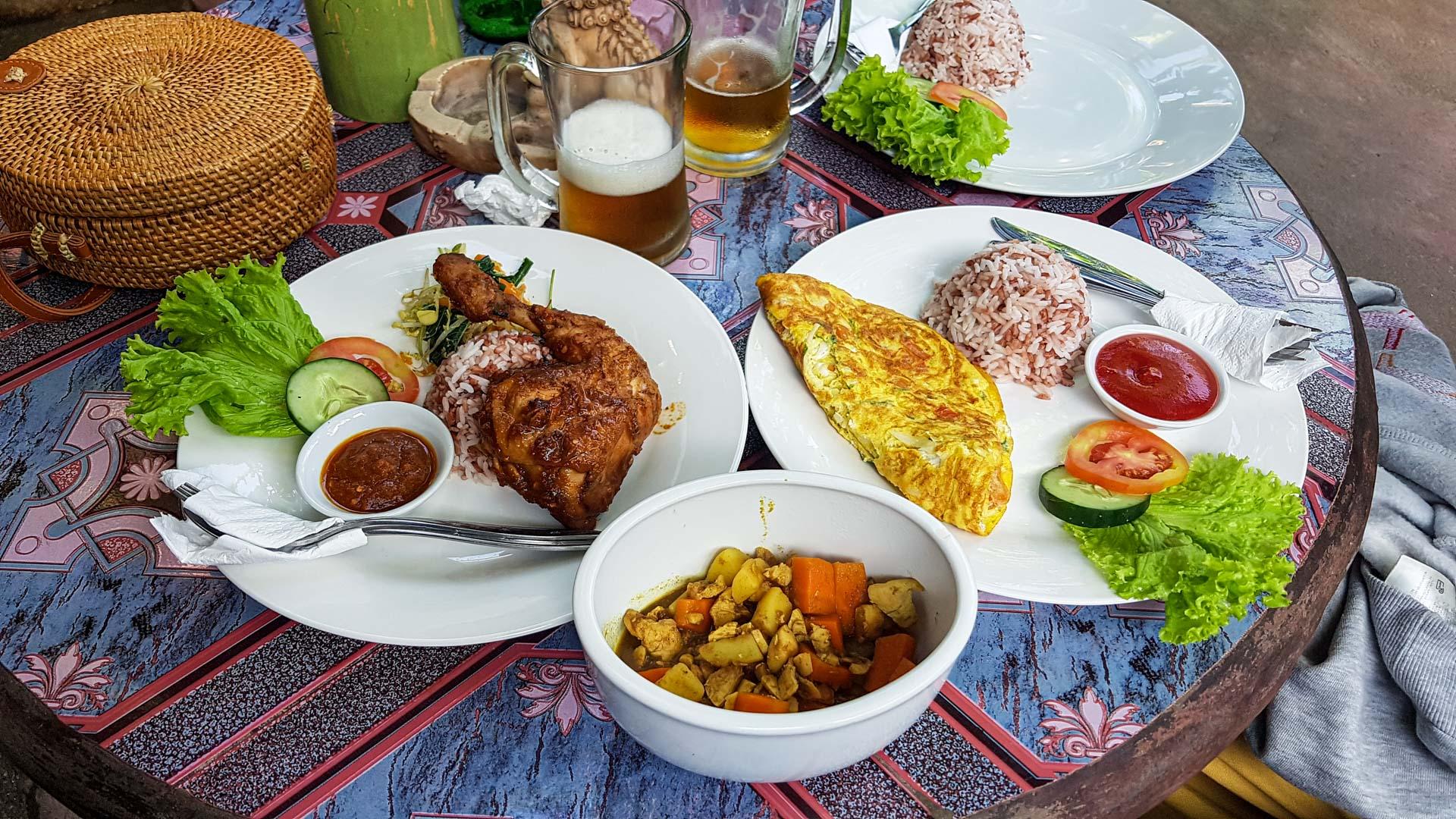 Comida en Nessa Warung, Ubud, Bali