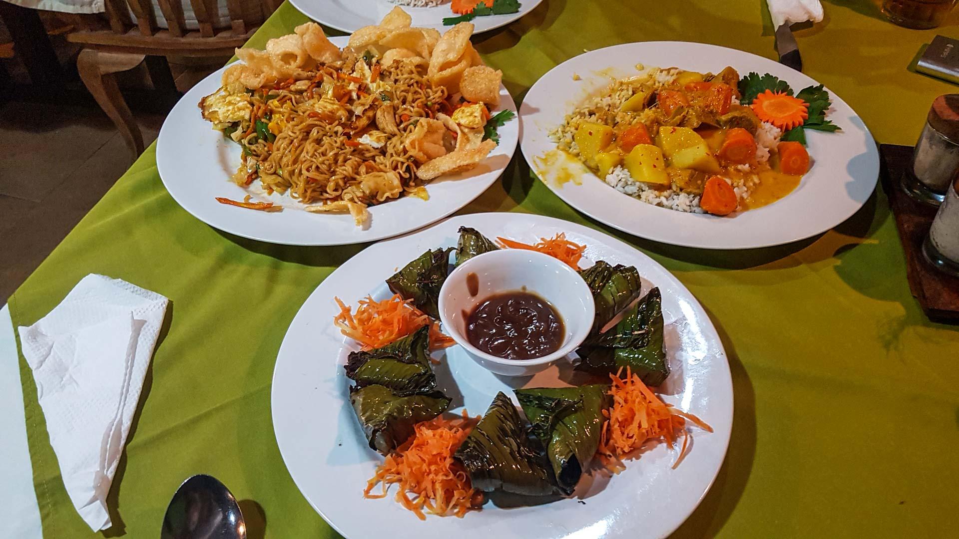 Cena en el restaurante de Abian Ayu Villa, Sidemen, Bali