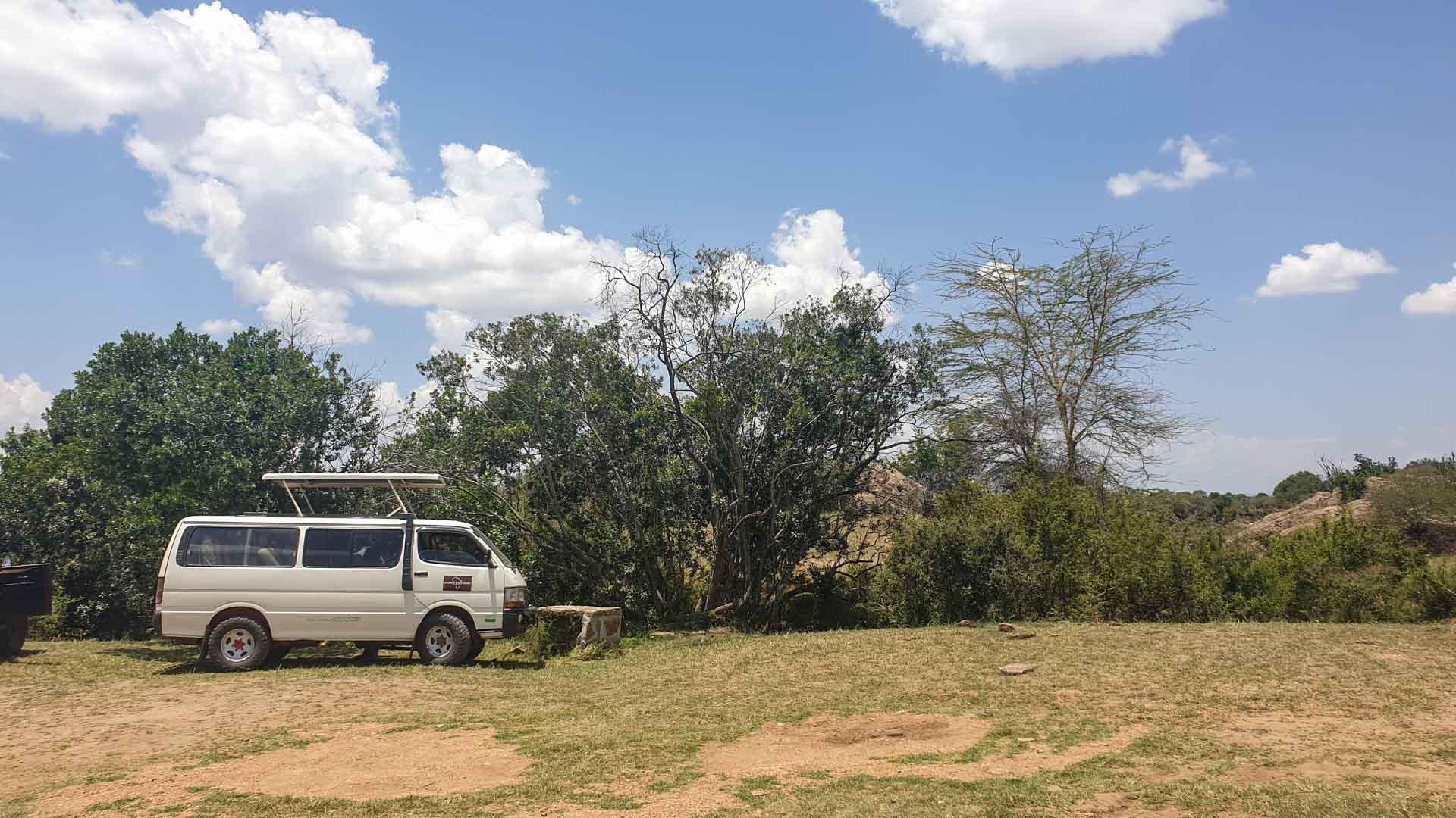 Nuestra minivan en Masai Mara, Kenia