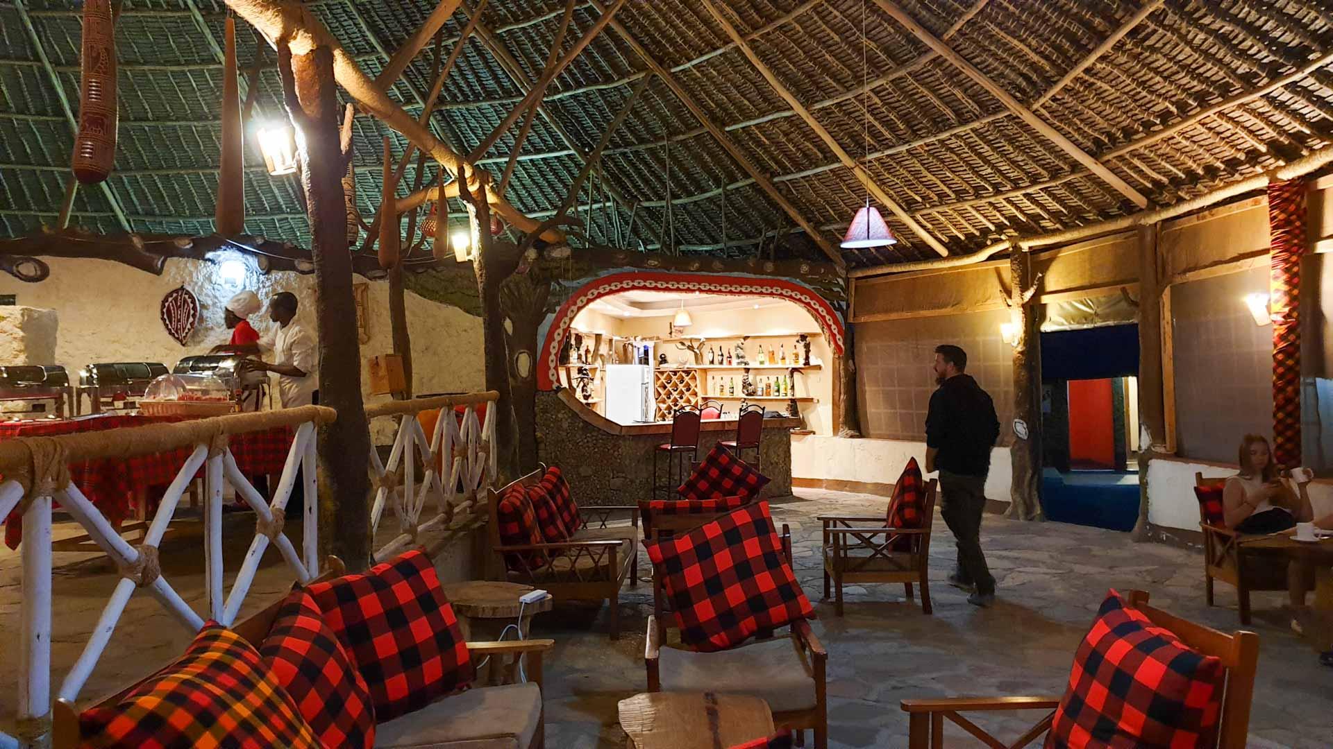 Bar y restaurante de nuestro alojamiento en Masai Mara, Enkorok Mara Camp, Kenia