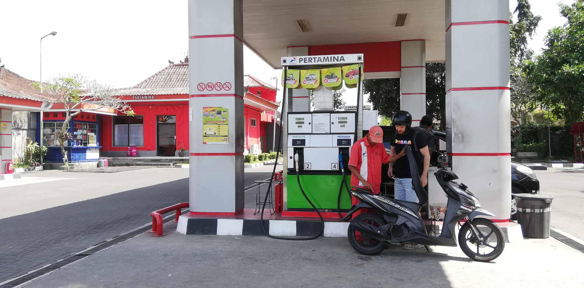 Gasolinera en Bali, Indonesia