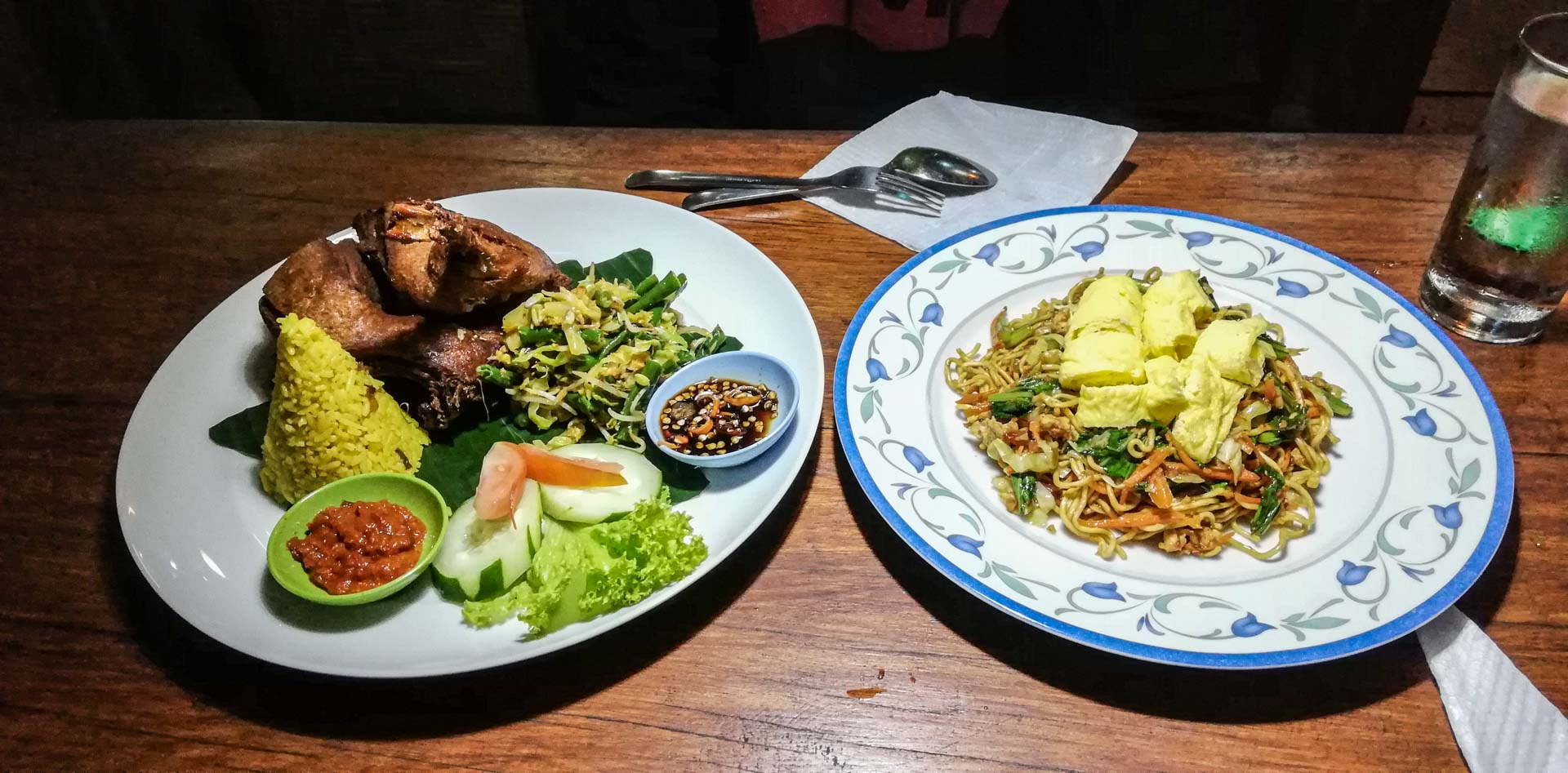 Cena en Warung d'Carik, Ubud, Bali