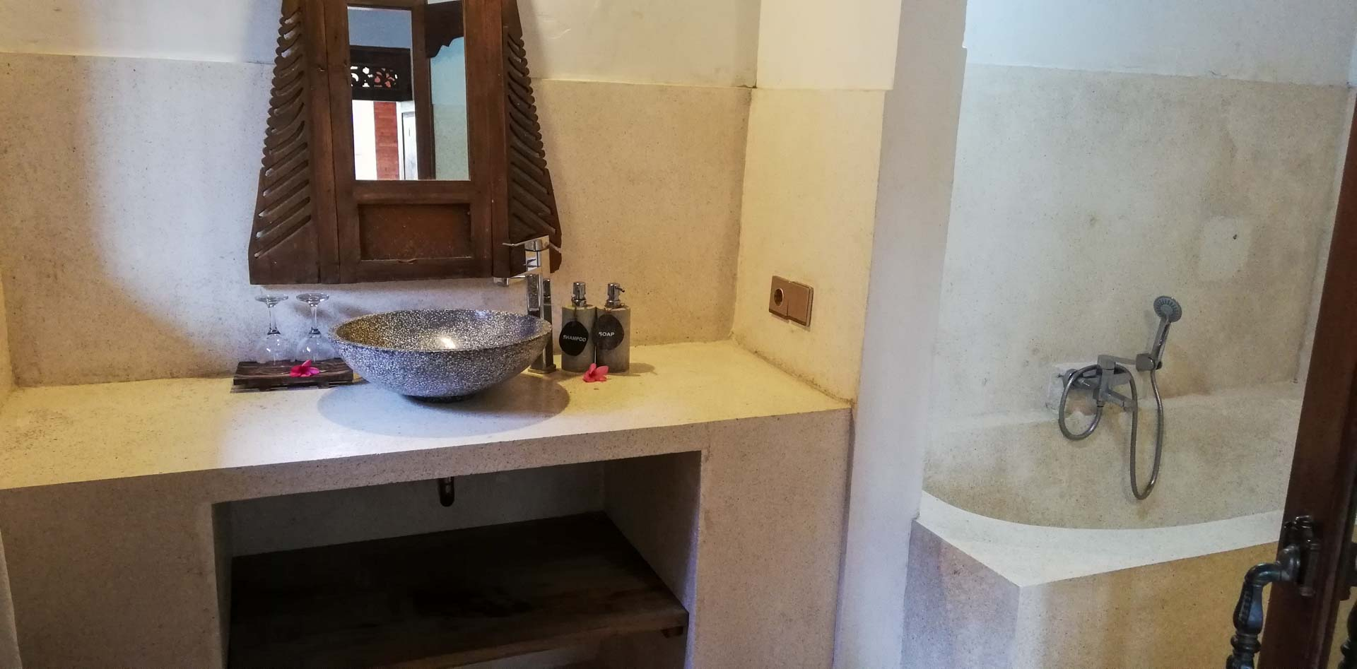 Nuestro baño en Abian Ayu Villa, Sidemen, Bali