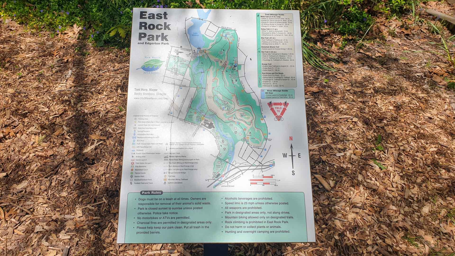 Mapa a la entrada de East Rock Park, New Haven, Connecticut