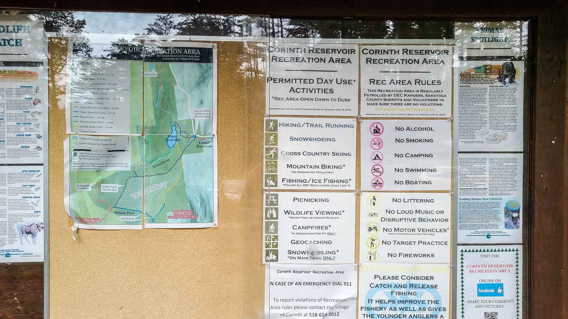 Mapa con las diferentes rutas en en Corinth Reservoir Recreation Area, Adirondack, Nueva York